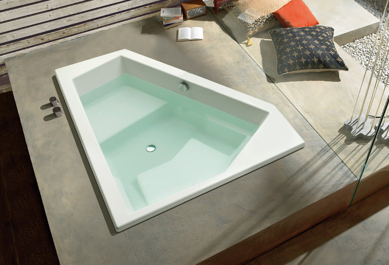 Tone bath Intenso trapeze tub with music and multicolor light