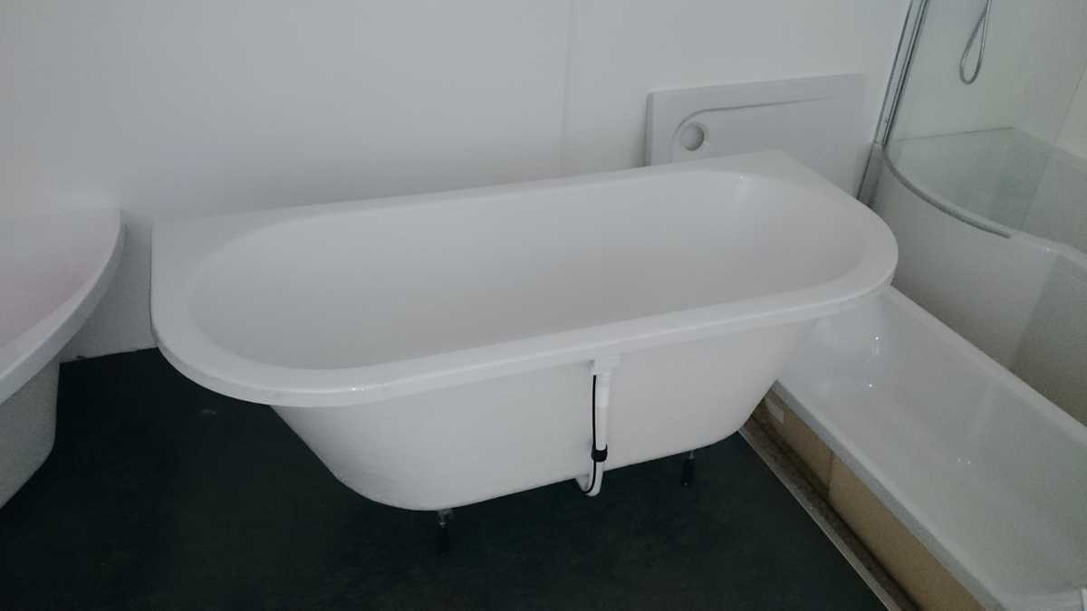 tiefe badewanne 180 x 80 x 50cm wei farblicht wasserzulauf neu. Black Bedroom Furniture Sets. Home Design Ideas